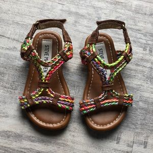 cf7426c5fac EUC sz7 Steve Madden sandals